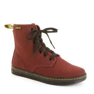 Dr. Martens Shoreditch lace up Boot